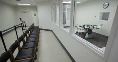 Shown is a witness gallery inside the new lethal injection facility at San Quentin State Prison in San Quentin, Calif., Tuesday, Sept. 21, 2010. While court righting continues over resumption of California's death penalty, state prison officials conducted a media tour of their refurbished death chamber designed to meet legal requirements. The new facility cost $853,000 and the work was performed by the inmate ward labor program. (AP Photo/Eric Risberg)